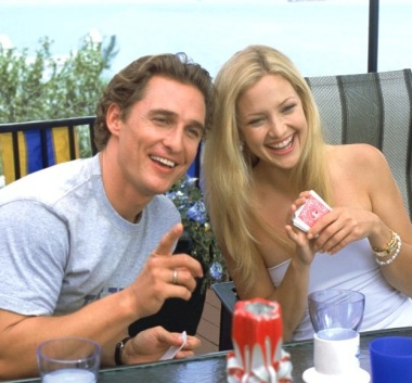 Matthew McConaughey and Kate Hudson in a romantic comedy