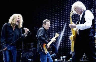 Should Robert Plan, left, bury the hatchet and go on tour with his former bandmates?