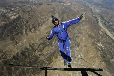 luke-aikins-skydiver